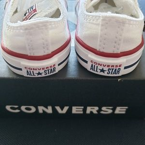 Converse toddlers Chuck all star white size 4